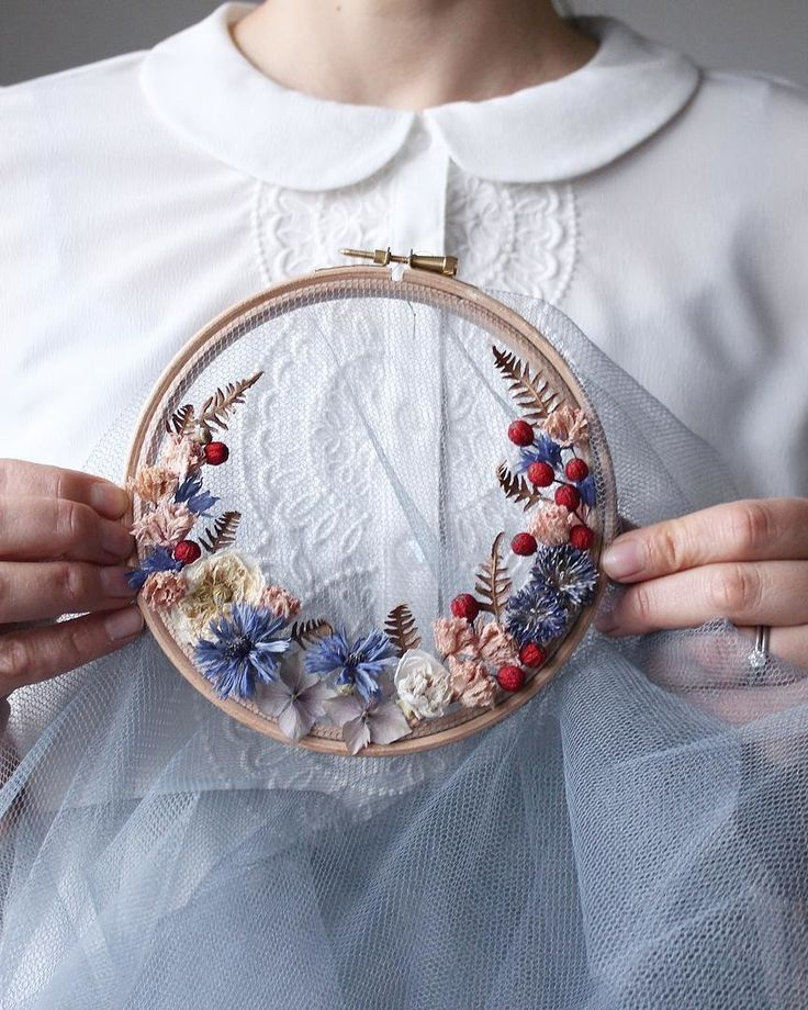 Photo of Watch These Hoops Magically Transform Into Floral Wreaths