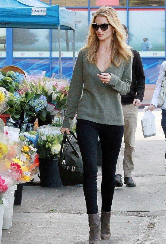 rosie huntington whiteley street style 2015 - Google Search. Street Style  Jeans Slim e91d64c66d074