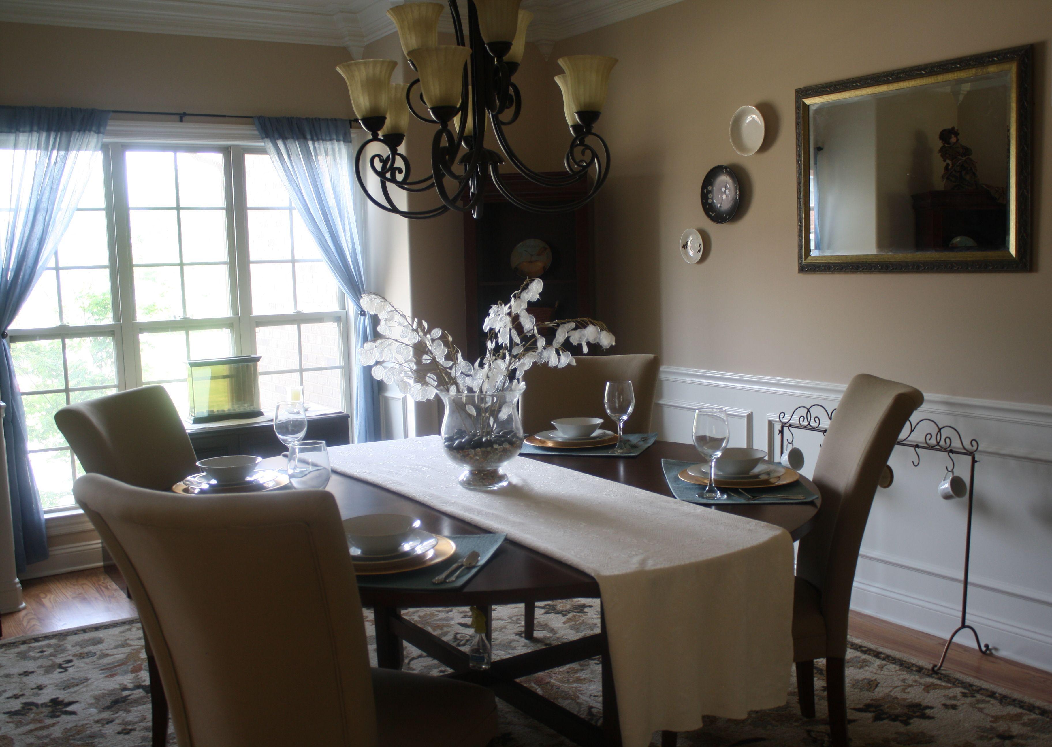40 Beautiful Minimalist Dining Room Decor Ideas With Farmhouse Style