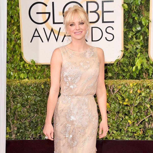 Anna Faris 2015 Golden Globes in Reem Acra
