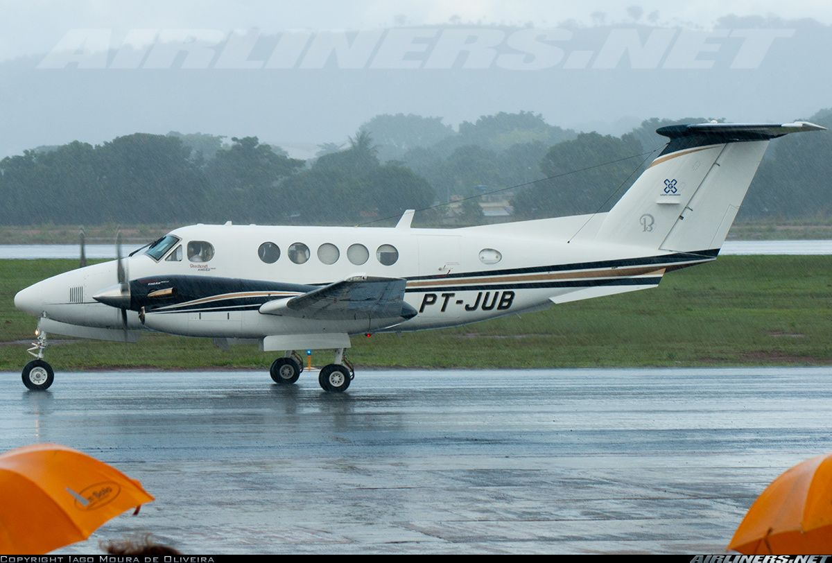 Beech 200 Super King Air aircraft picture. Goiania Santa