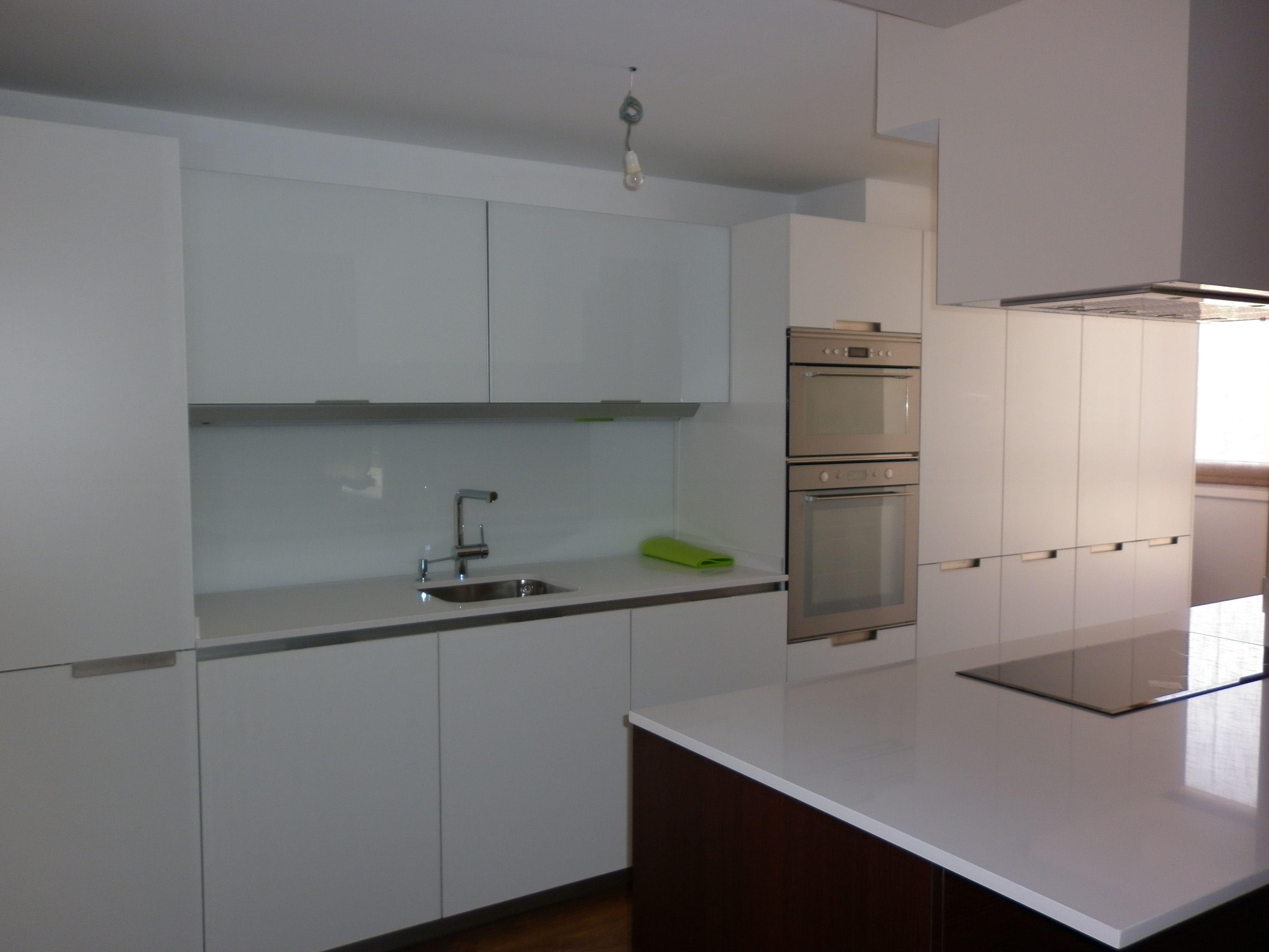 Cocina Santos Minos Laminado Blanco Brillo Encimera Silestone
