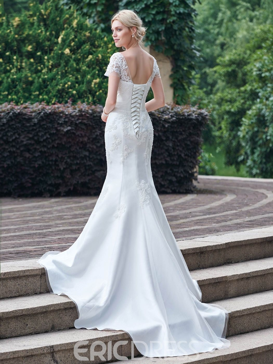 Lace sleeve mermaid wedding dress  Classic Appliques Scoop Short Sleeves Mermaid Wedding Dress