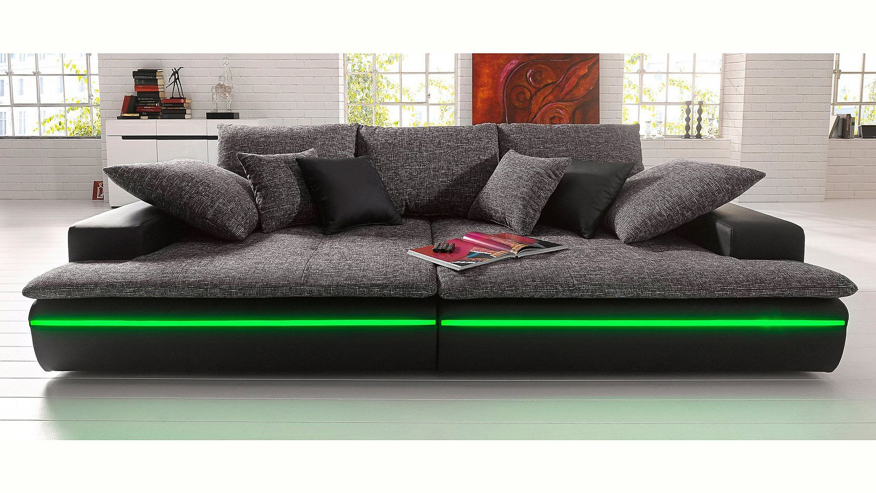 Ein modernes und gemütliches Big-Sofa / XXL-Sofa wahlweise ...