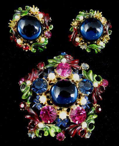 Vintage Gold Toned Pearl Rhinestone Brooch Earrings Signed Hattie Carnegie | eBay
