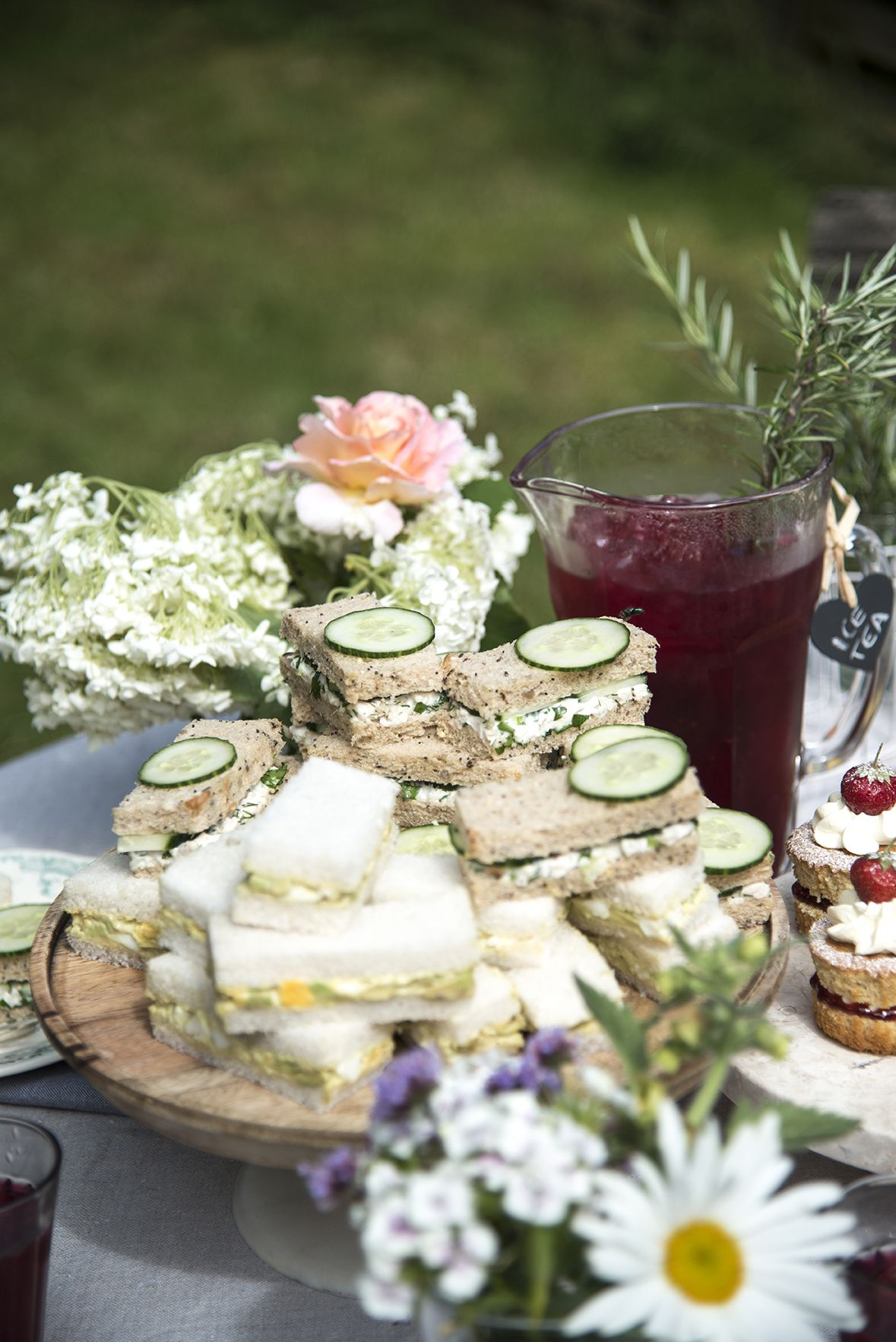 How to Throw Your Own Great British Garden Party is part of British garden Party - Everything you need to create tasty treats for your garden party!