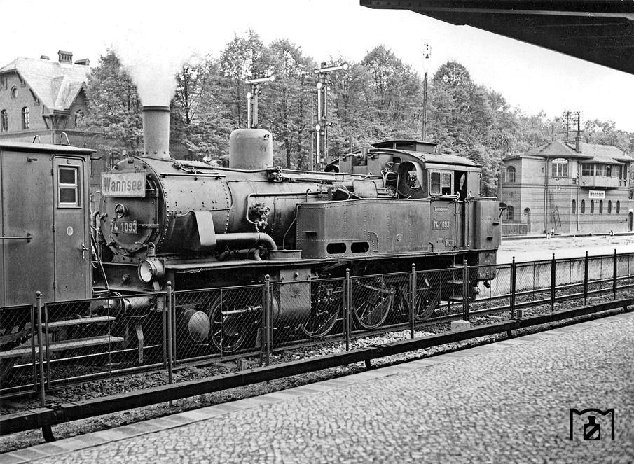 1929 SBahnzug am Bahnhof Wannsee.(Am 15.Mai 1929 endete