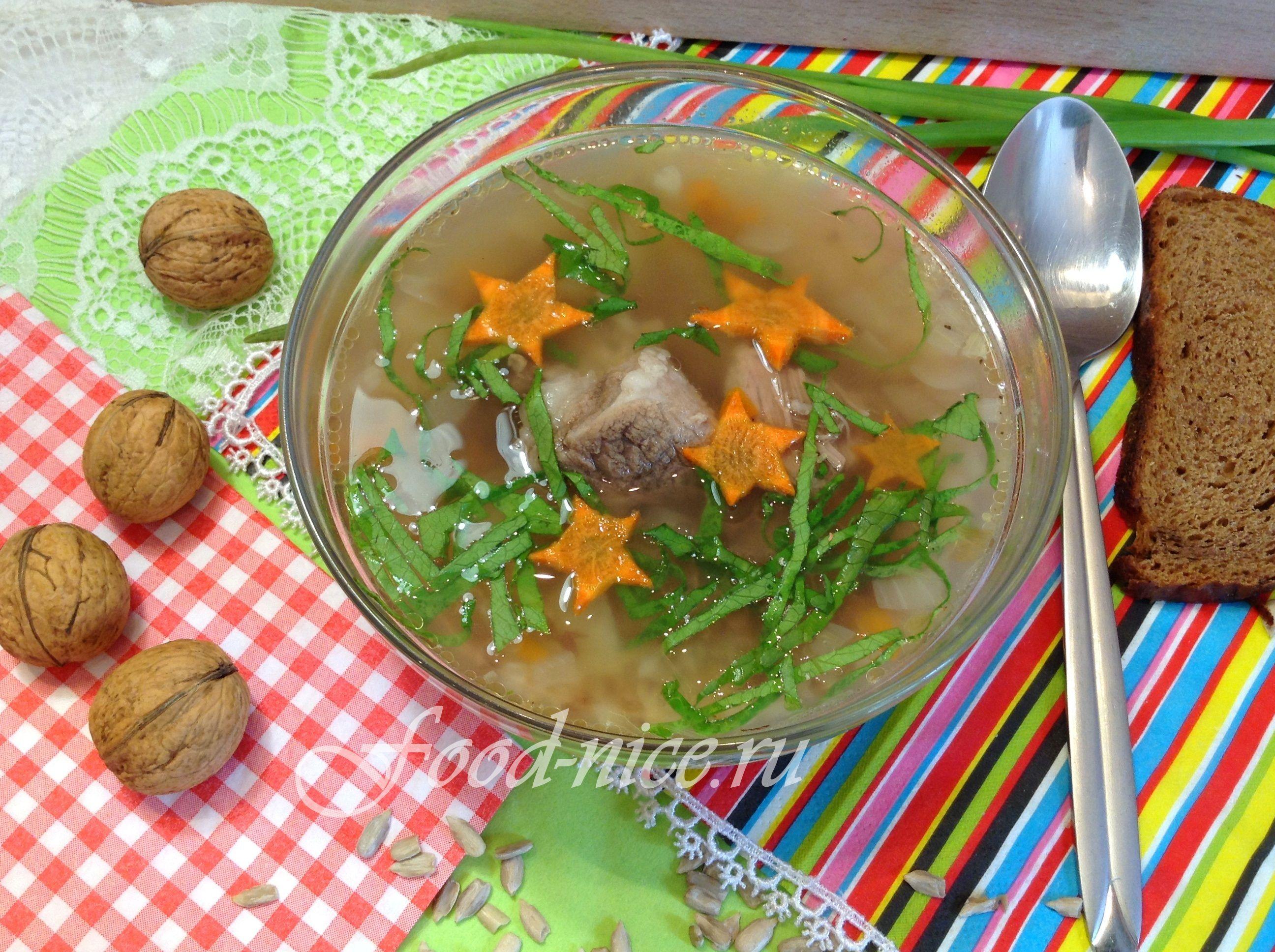 Полезный и питательный суп на мясном бульоне для ежедневного семейного рациона