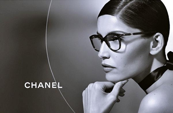 0fe27ce85cc77 Laetitia Casta presenta la nueva Colección Gafas de Sol y Graduadas Chanel