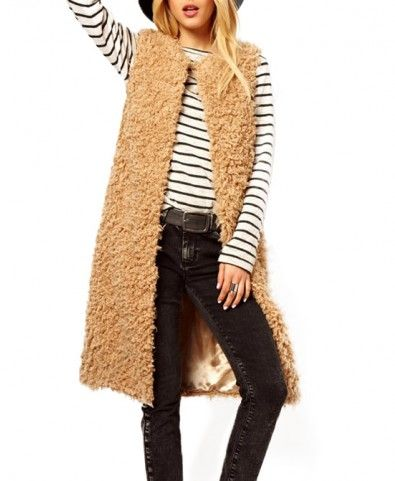 This outfit is AMAZING. I need this vest in every color! Love fur vests for fall!