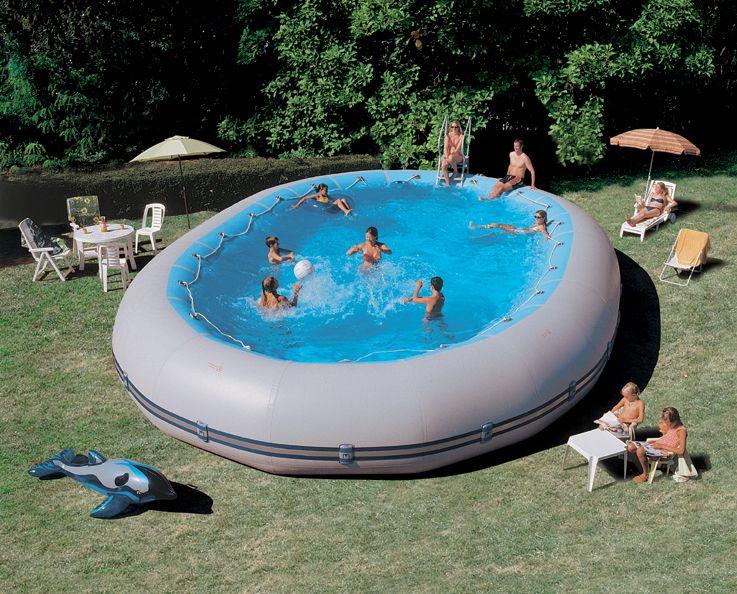 Wie Ein Schlauchboot Lasst Sich Auch Ein Zodiac Original Pool Nach Dem Ablassen Des Wassers Und Der Luft Klein Zus Diy Schwimmbad Ovaler Pool Pool Deck Ideen