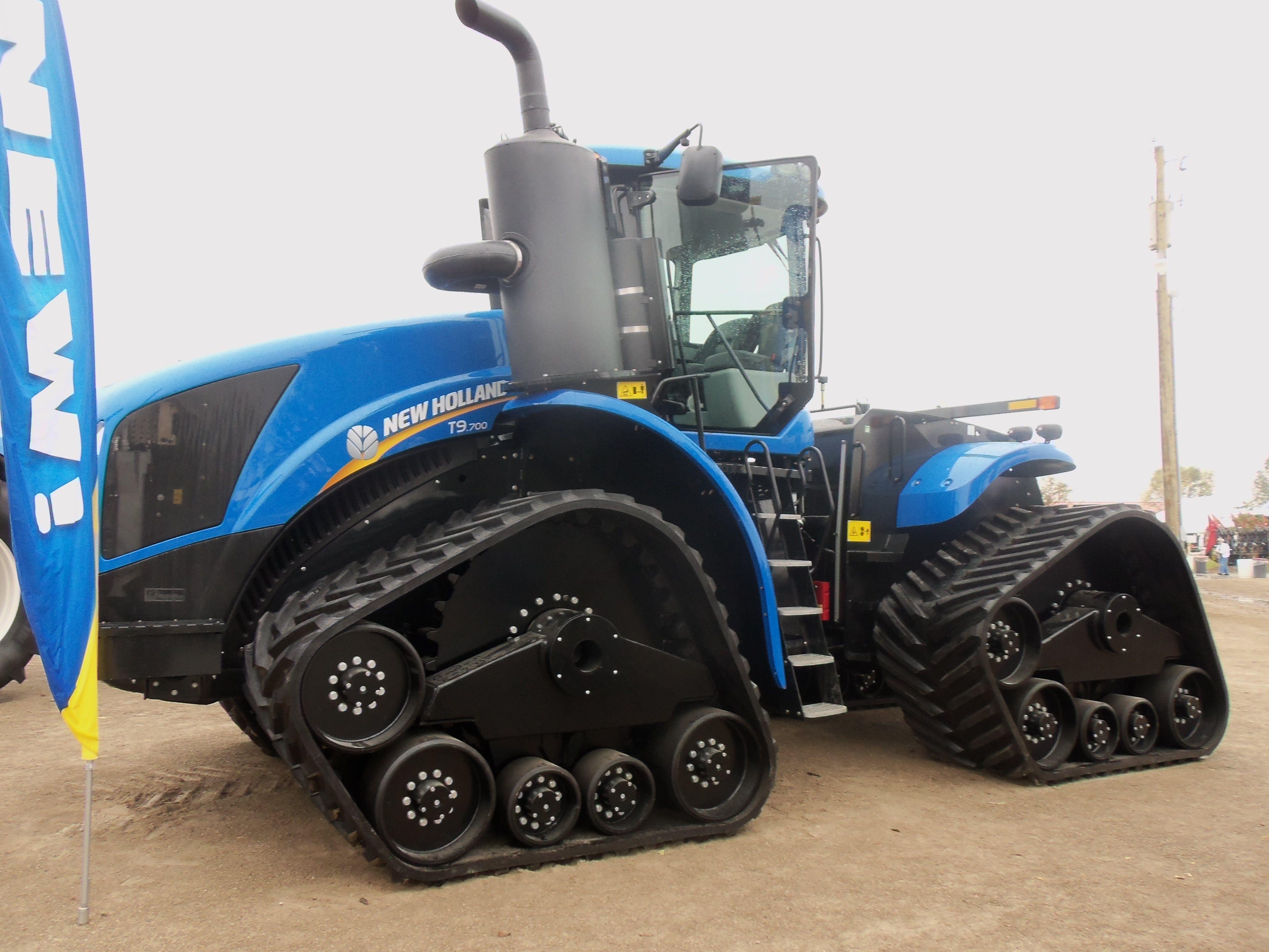 New Holland T9 700 Track Tractor Tractors Big Tractors New Tractor