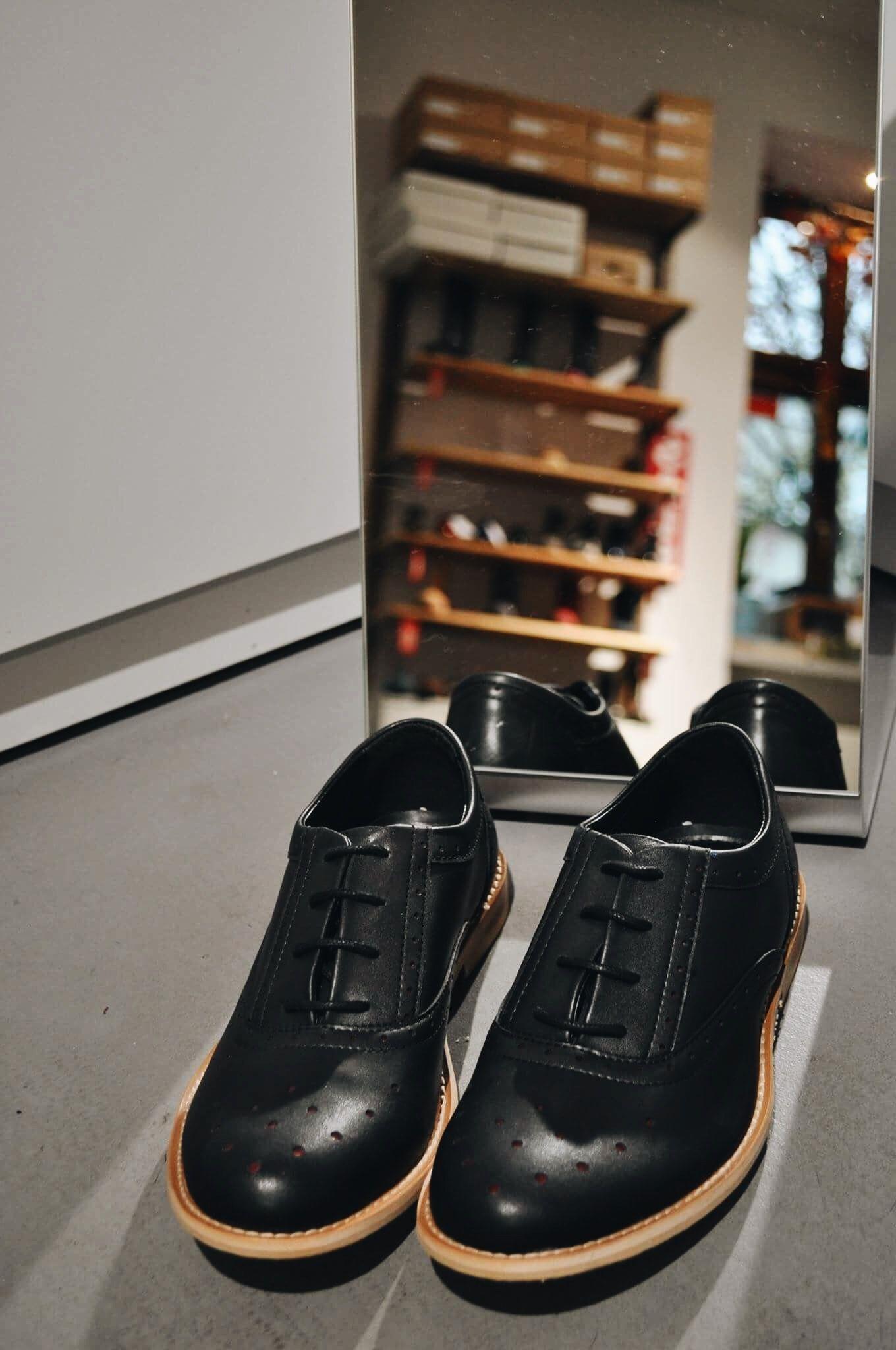 Oxfordy Czarne Perforated Oxfords Marki Wills London Dress Shoes Men Vegan Shoes Shoes