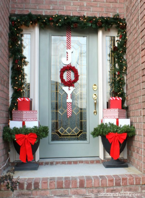 Christmas home tour holiday decorating pinterest - Adornos navidenos exterior ...
