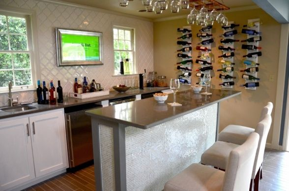 Man Caves Charles Kelley : I am loving this fully stocked kitchen and bar that charles kelley