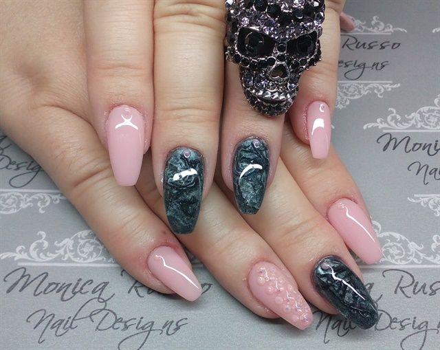 Day 261: Textures & Shimmers Nail Art | Nails magazine, Art nails ...