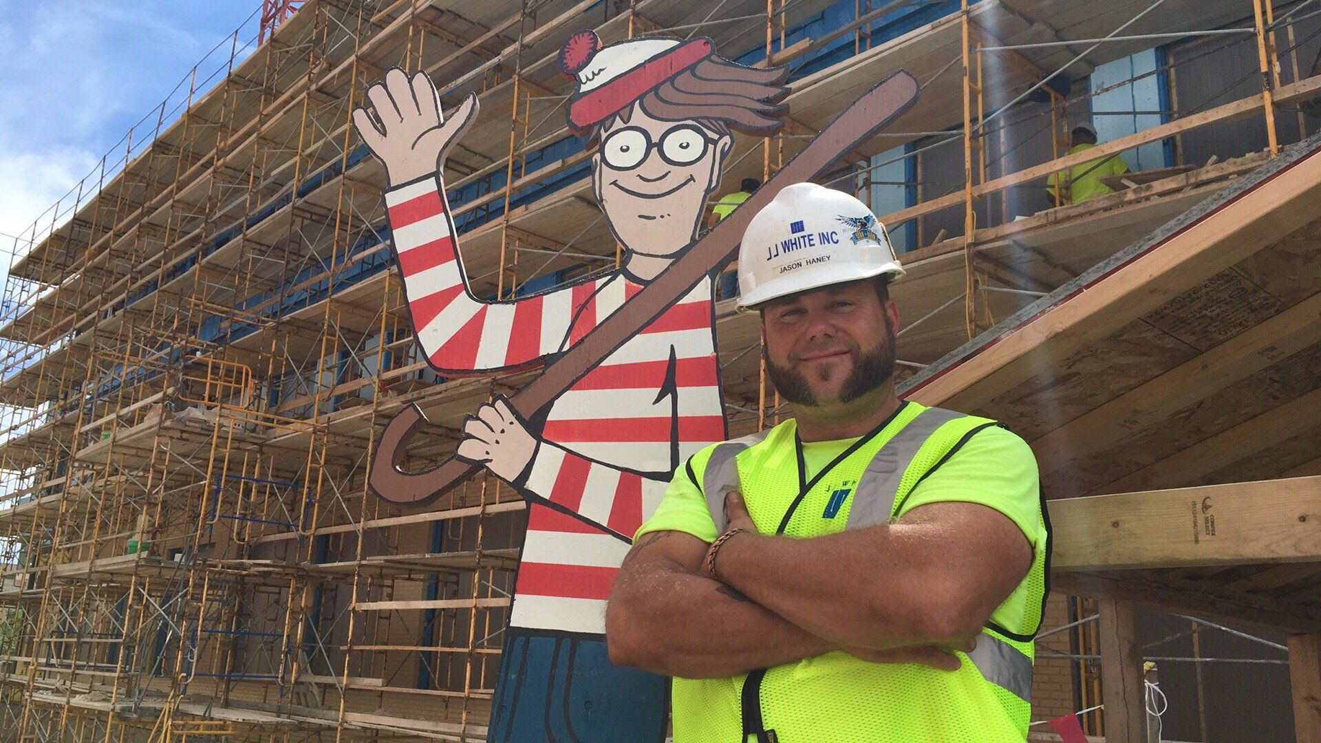 Construction Worker Plays RealLife Game of 'Where's Waldo