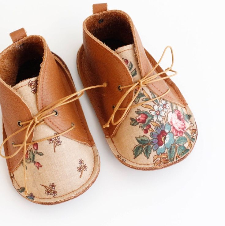 Sweet Handmade Floral Leather Baby Shoes | txelllagresa on