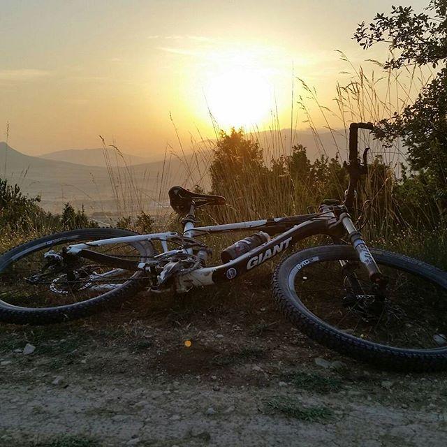#instagram @mistress_r_ The Sun also rises #nofilters #sunrise https://instagram.com/p/5OcB0xQH-G/ // my instagram https://instagram.com/wolkanca