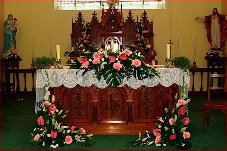 Church wedding decorations altar flowers church for Altar decoration wedding