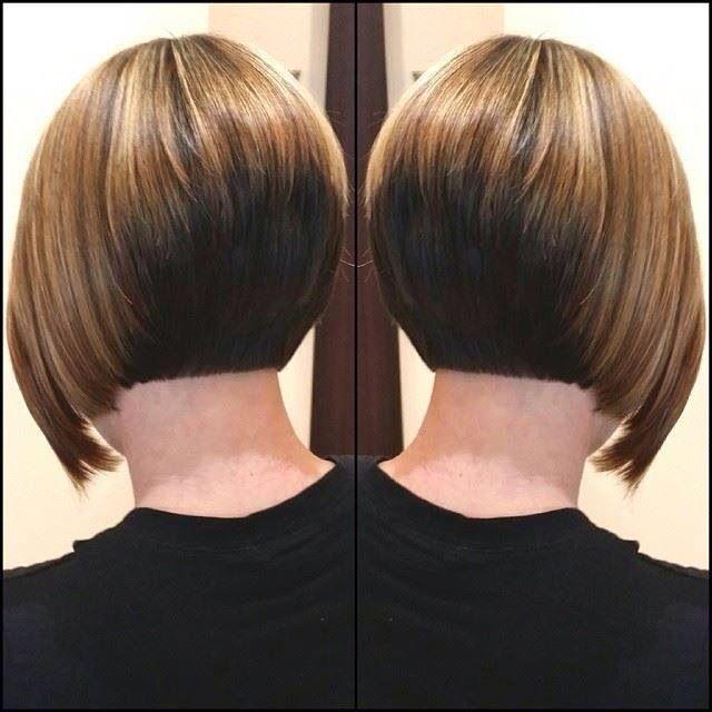 Pingl par sabrina stringer sur awesome hair pinterest cheveux coiffure et coupe de cheveux - Coupe carree courte femme ...