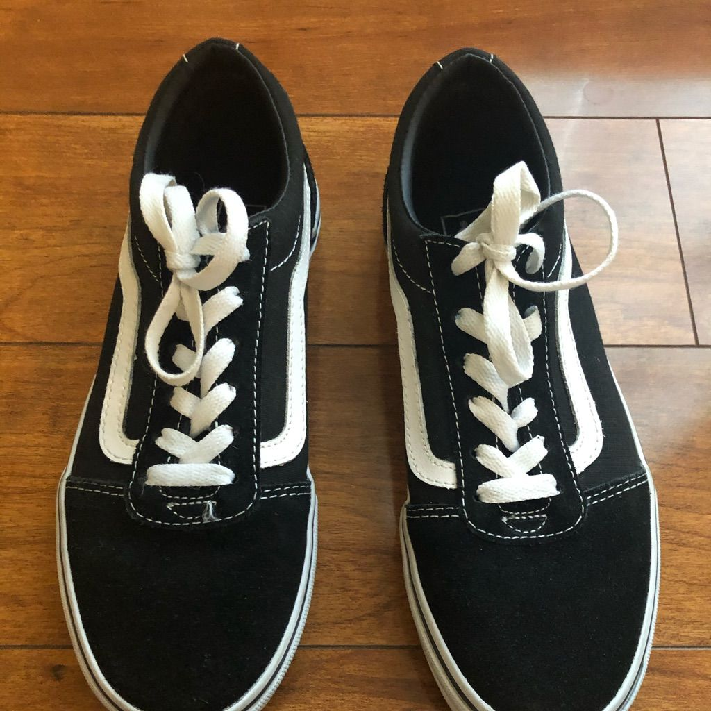 Vans- Black With White Strip (Youth 5