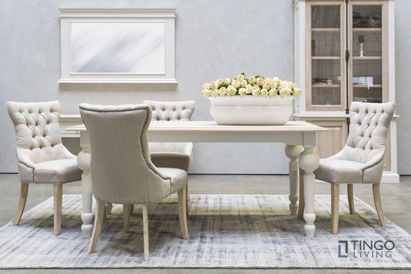 Klassisch schöne Kombination: Esstisch PROVENCE mit CHESTER Esszimmerstühlen.