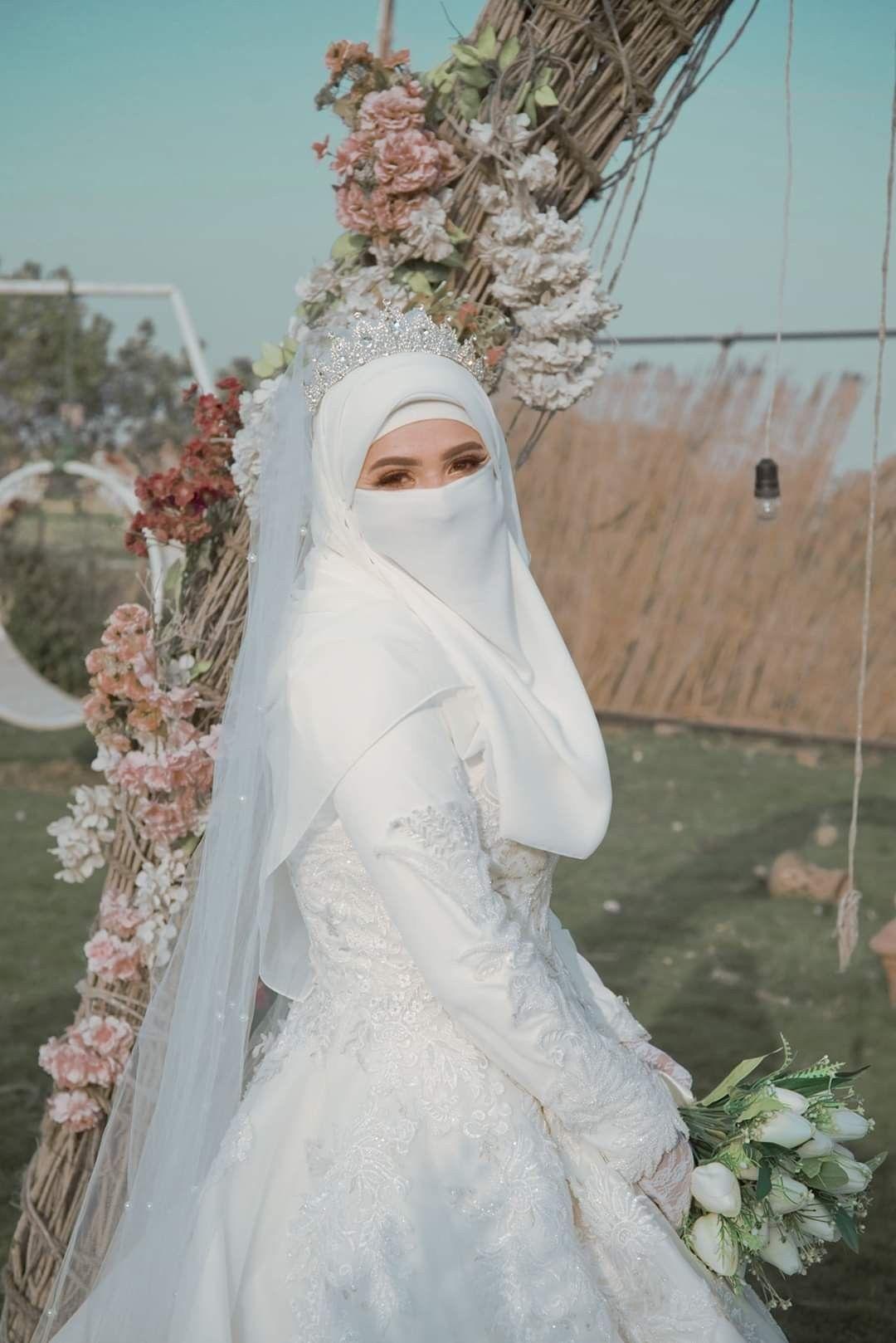 Pin oleh Aram Moradi di marriage di 10  Gaun perkawinan, Baju