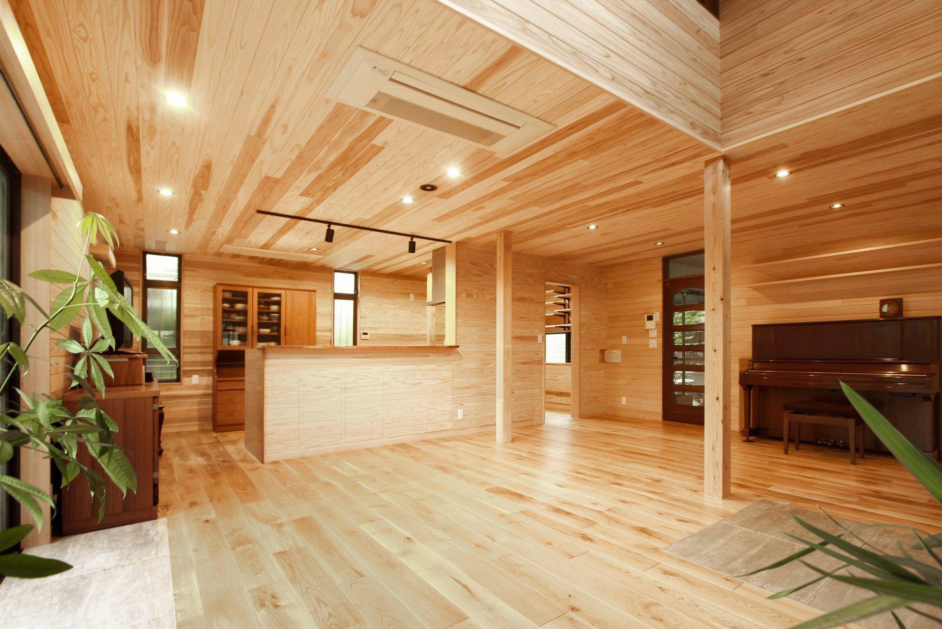 床 壁 天井が無垢の木に包まれた山小屋風リノベーション 天井 壁