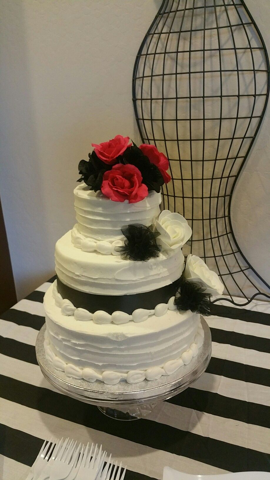 sam 39 s club wedding cakes. Black Bedroom Furniture Sets. Home Design Ideas