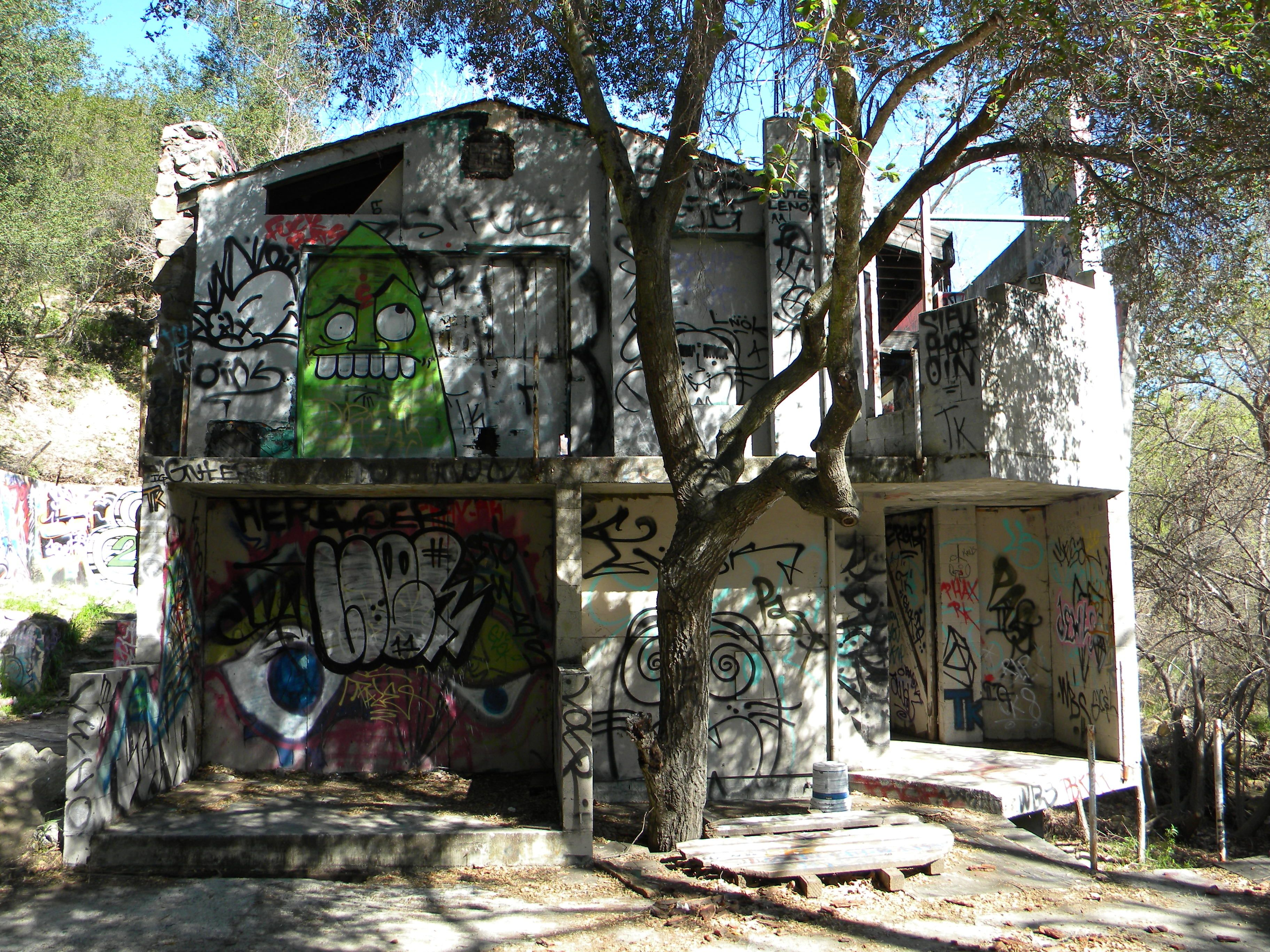The Mysterious Abandoned House In Topanga Canyon California