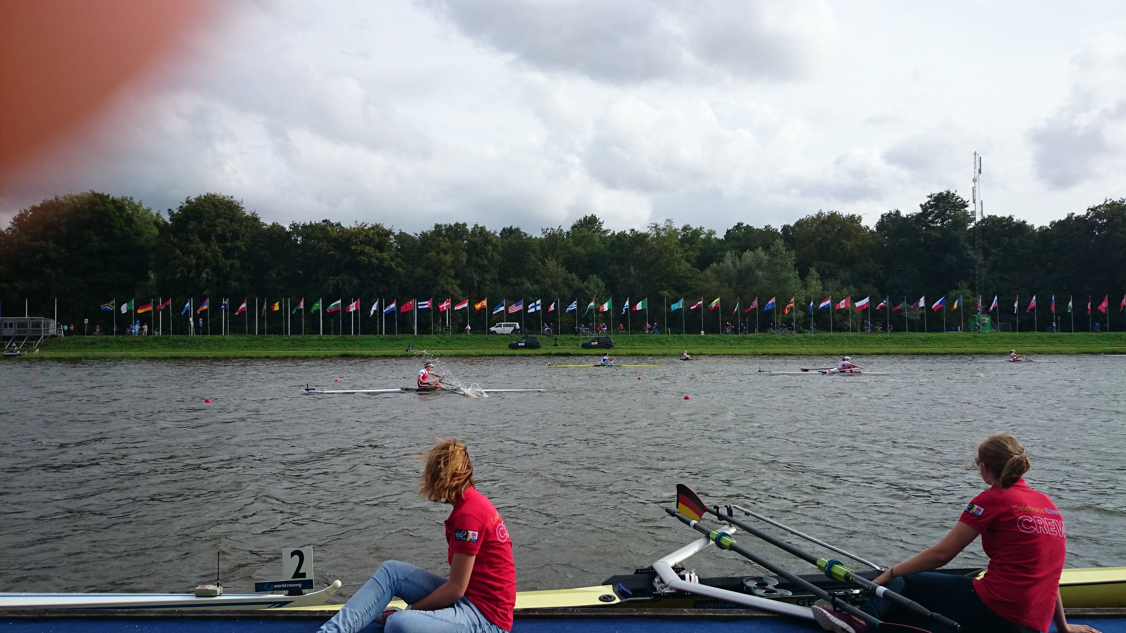 Worldchampionchips Amsterdam 2014, one million dollar picture: the belgium lightweight Eveline Peleman catches a crap at the 1900m mark and still won the goldmedal! It was incredible!