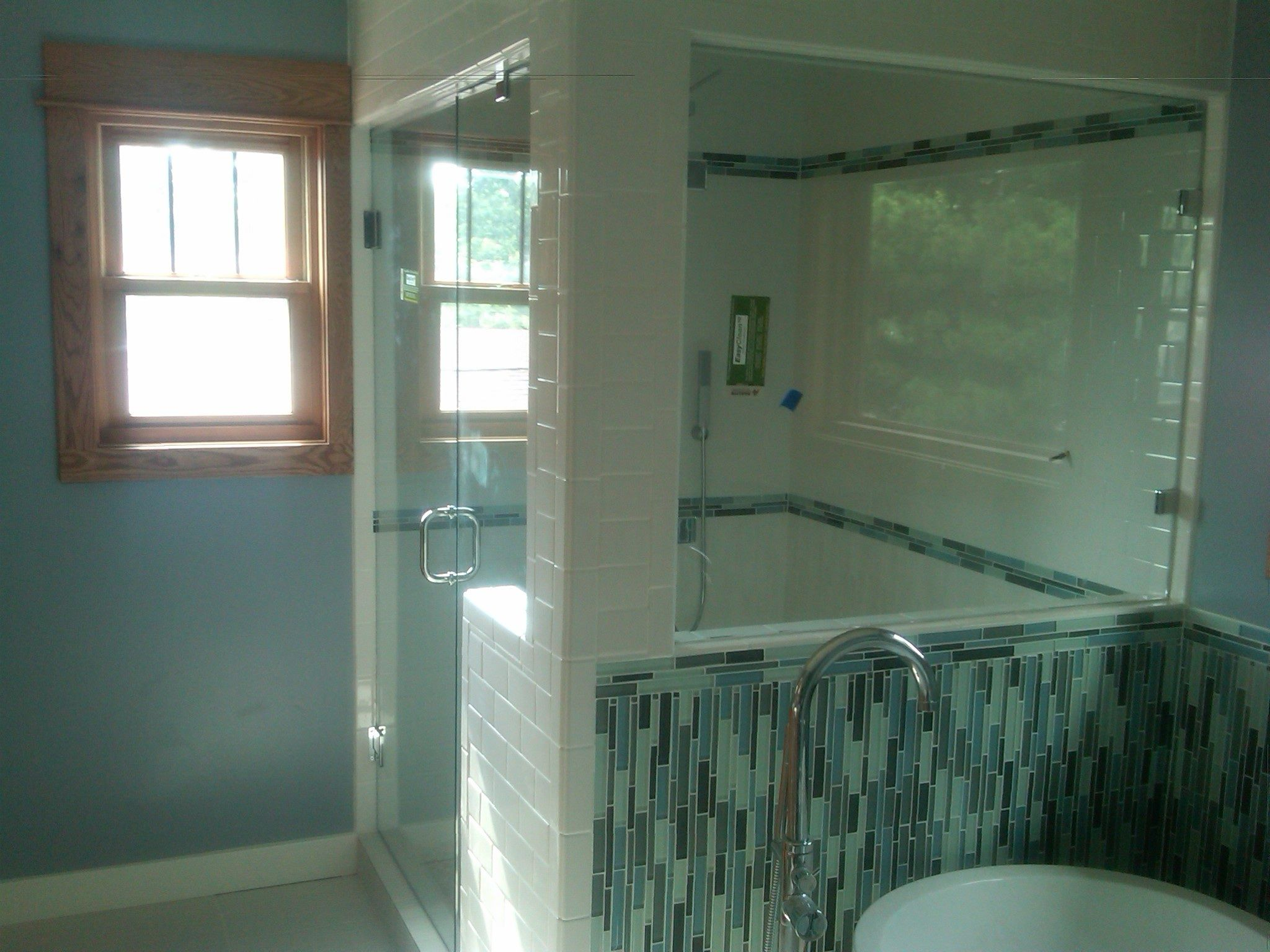 Bathrooms woth corner windows bathroom spectacular for Custom master bathroom designs