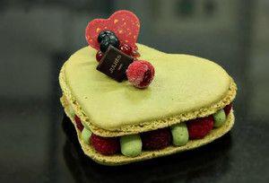 Julhes Paris L Epicerie Gastronomique Familiale Dessert Patisserie Macaron