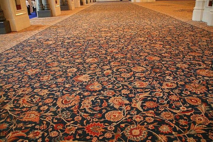 The Largest Persian Carpet In The World Is A Prayer Rug The Carpet Of Wonder It Is In The Sultan Qaboos Grand Mosque In Muscat In The Sultanate Of Oman I Di