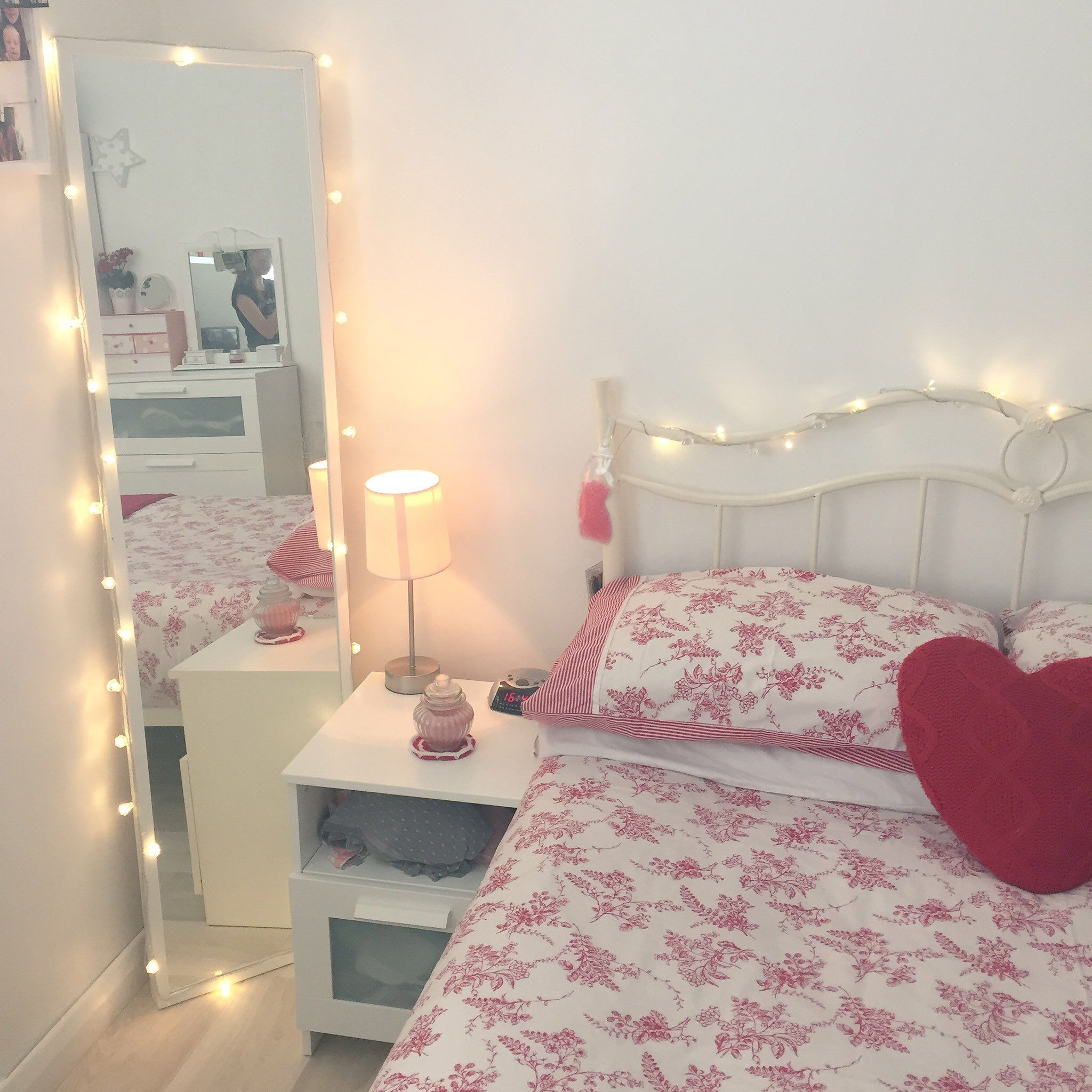Autumnal + Cosy - Teen Girl Room