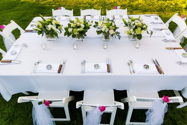 This table set up is perfect for an intimate backyard wedding!