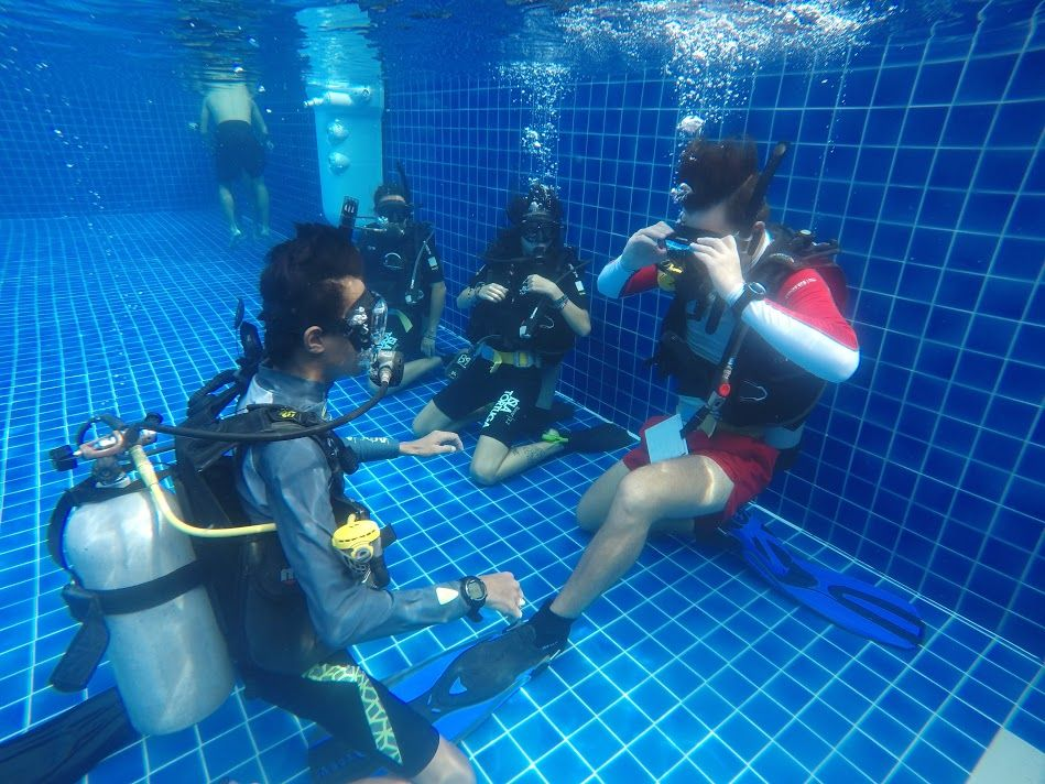 PADI Instructor Confined water evaluation.