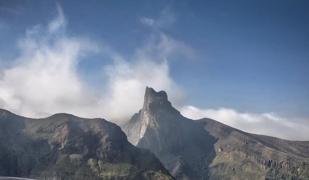Fantastis 30 Mentahan Background Pemandangan 15 Foto Terindah Dari Atas Gunung Indonesia Serasa Di Atas Download 50 Backgrou Di 2020 Pemandangan Pantai Air Terjun