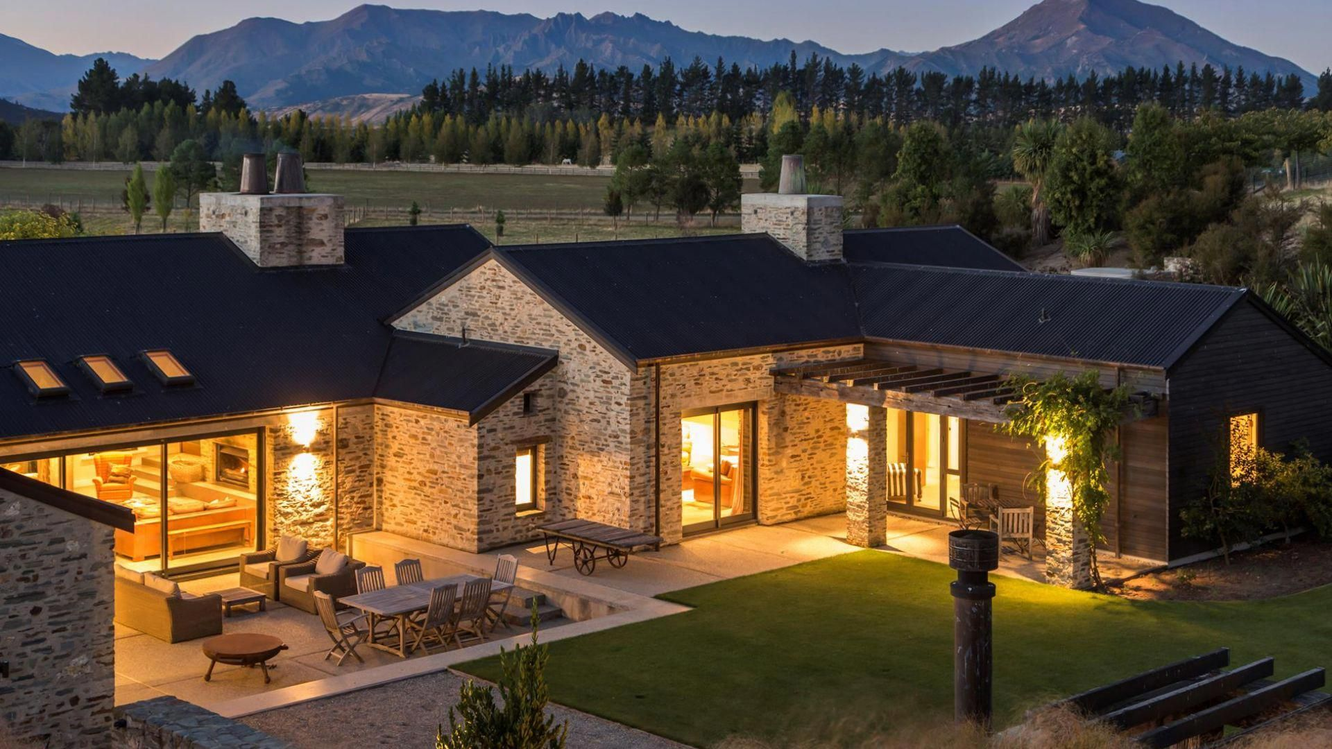 Mt barker wanaka luxury accommodation by touch of spice casasrusticas rural house also home decor design idea designs rh pinterest