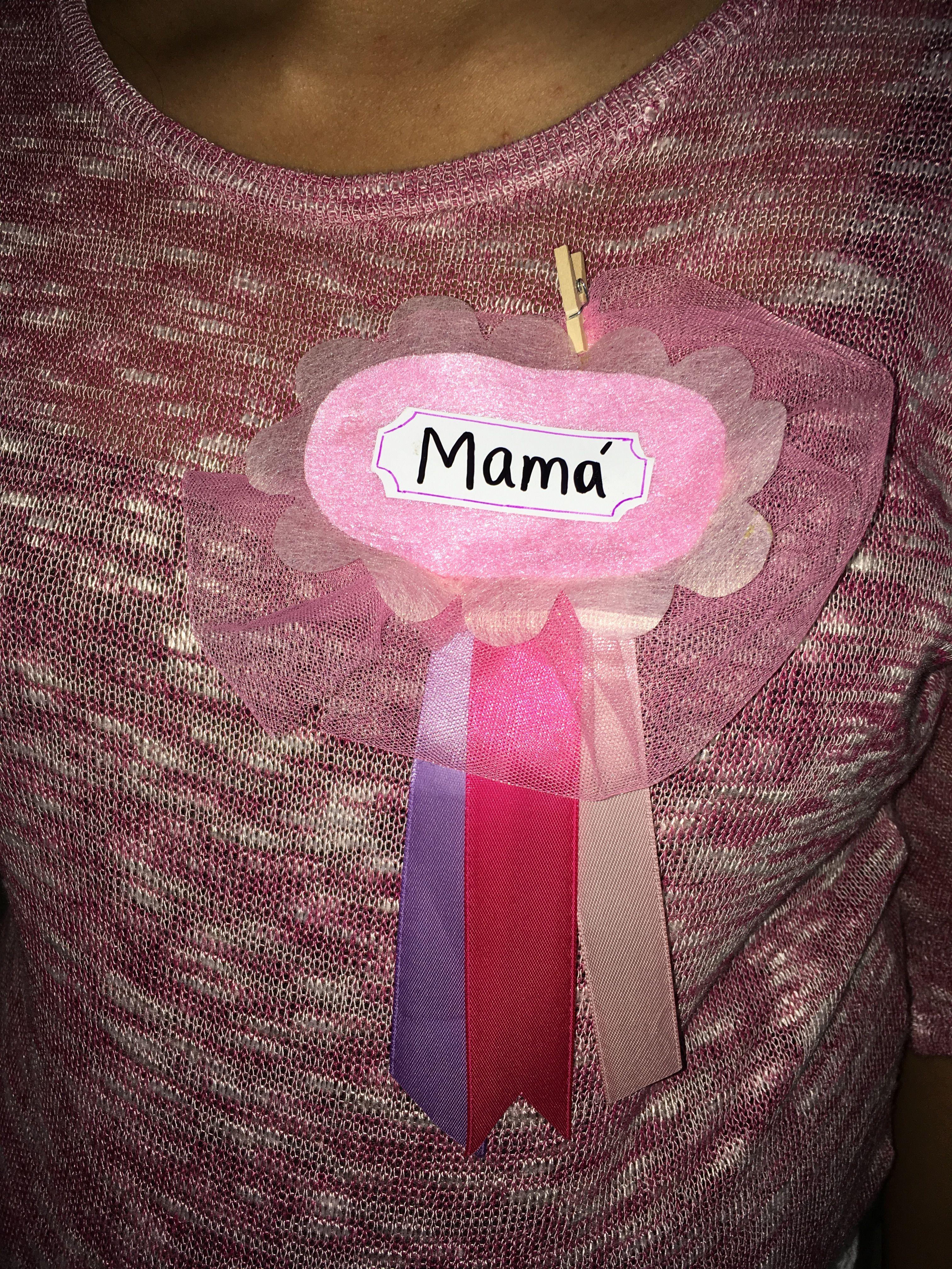 Distintivo Mamá para baby shower