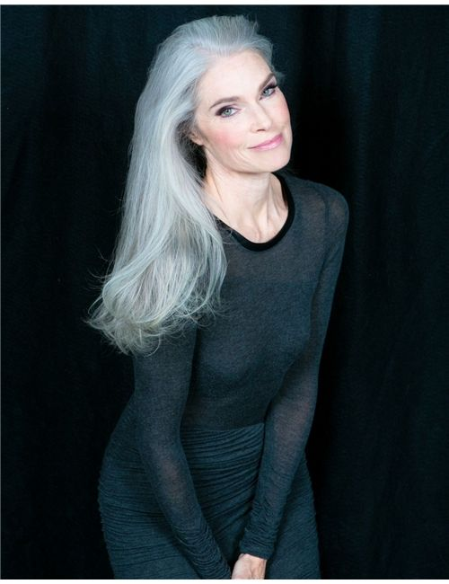 e83b8f6eed71e Pretty long, gray hair can be simple... | Gray Blessing in 2019 ...