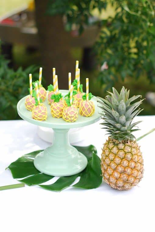 anniversaire th me tropical ananas candy bar color et festif pour mariage anniversaire. Black Bedroom Furniture Sets. Home Design Ideas