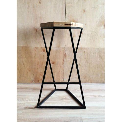 Sgabello design replica fatto a mano da artigiani locali for Replica sedie design