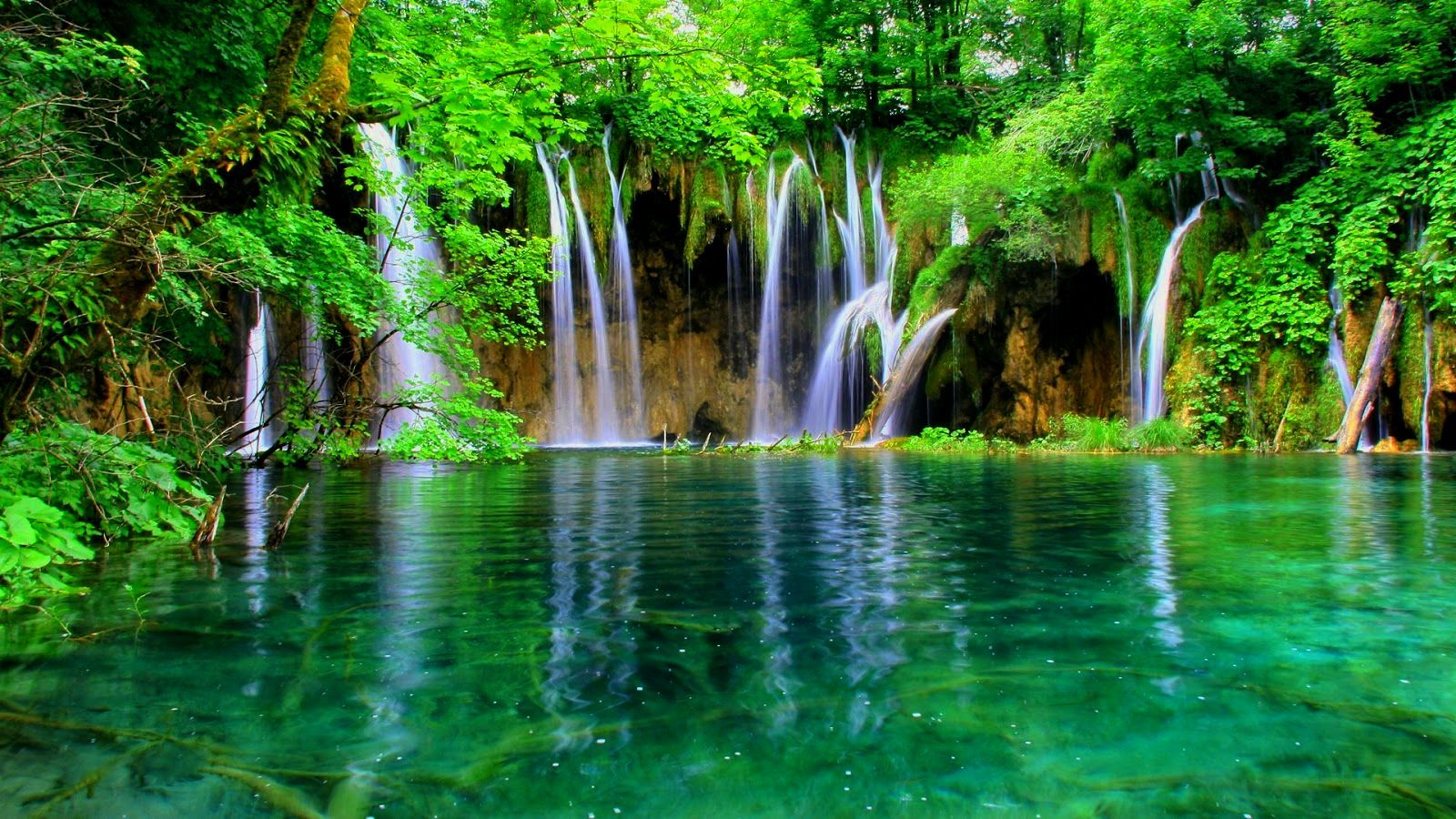 Waterfalls Hd Wallpapers Blogua Free Ultra Hd 3840x2160 High Definition Wallpaper Beautiful Vacation Spots Waterfall Wallpaper Plitvice Lakes National Park