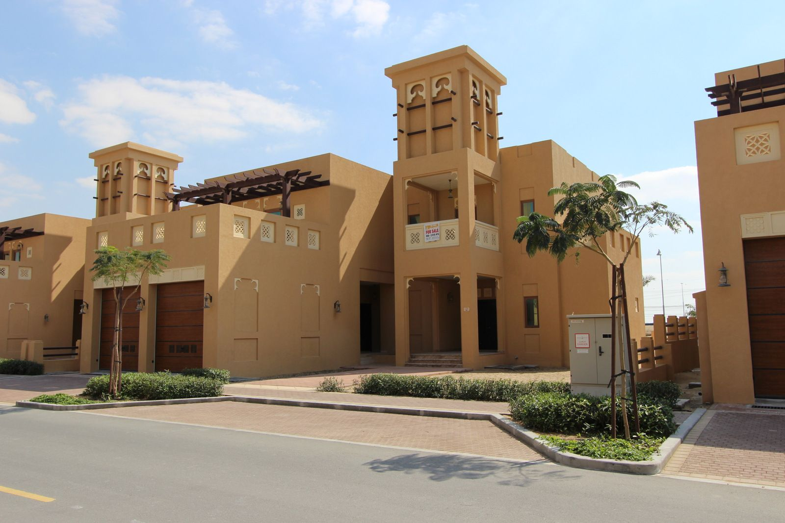 FOR SALE 5,500,000 AED Fabulous 5 bed plus maids Dubai
