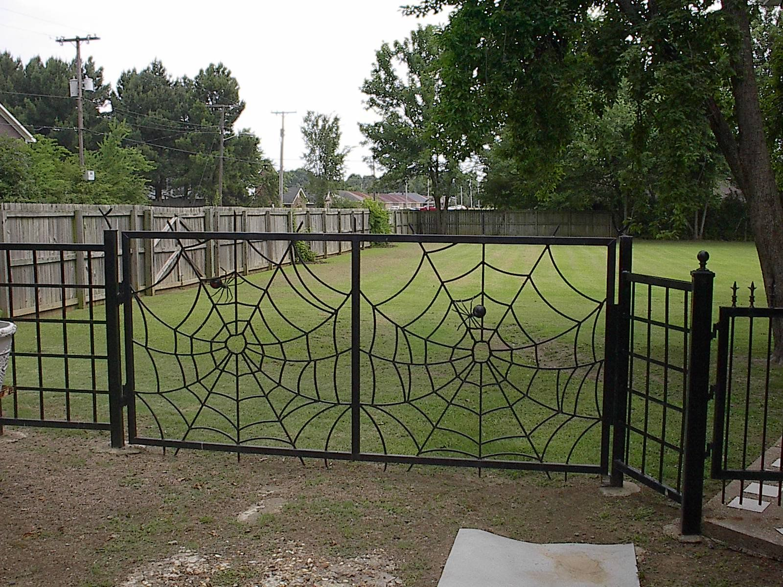 Second Section Of Web Railing - Spidery Things - Pinterest