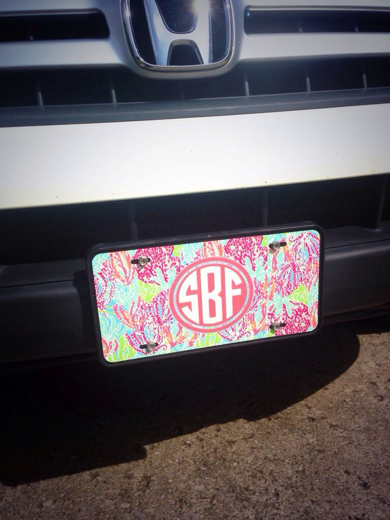 Lily Pulitzer monogrammed car tag!! I love it ) Preppy