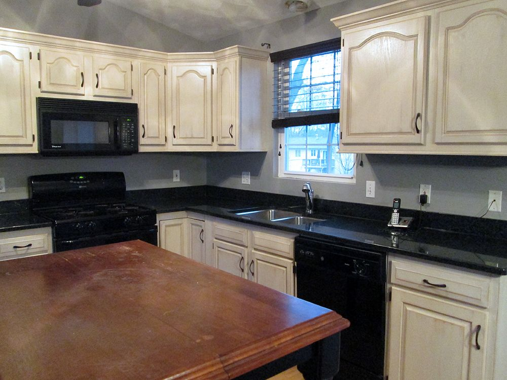 REFINISHED OAK CABINETS IN ANTIQUE WHITE WASH - REFINISHED OAK CABINETS IN ANTIQUE WHITE WASH Kitchens In 2018