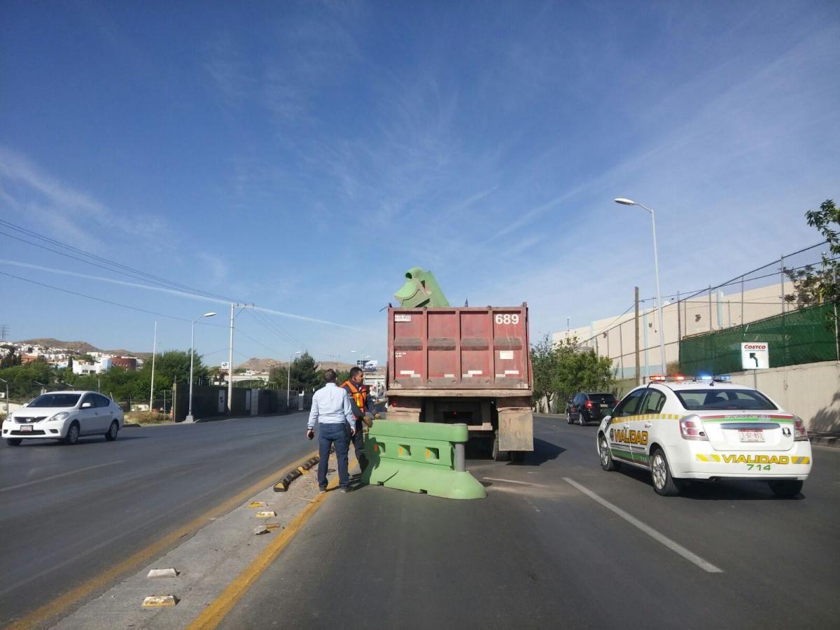 Arracan modificaciones del carril lateral de Cantera y Periférico | El Puntero